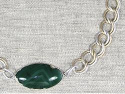 Колье с агатом на зеленой ленте от Victory Bijoux
