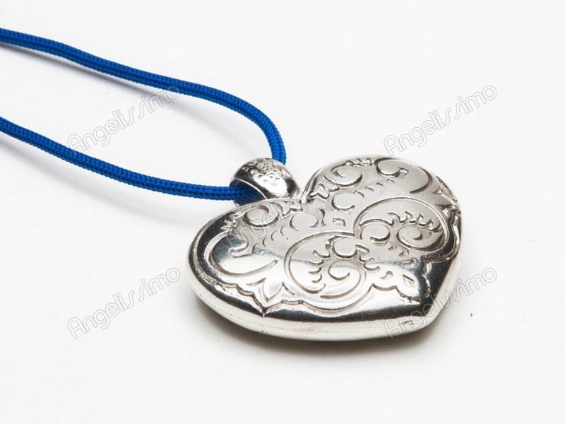 Кулон в форме сердца на синей нити от Amorem